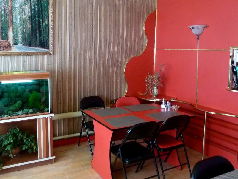 """20130611. В кафе """"У Витька"""", что неподалеку от пригородного посёлка Желомановка."""