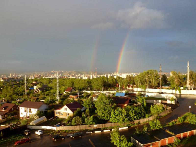 20200530. А из нашего окна двойная радуга видна!