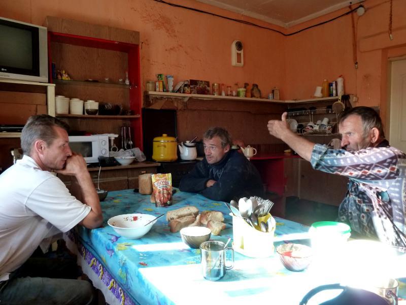 20130907. На кухне-столовой базы соледобытчиков, у озера Жамантуз.