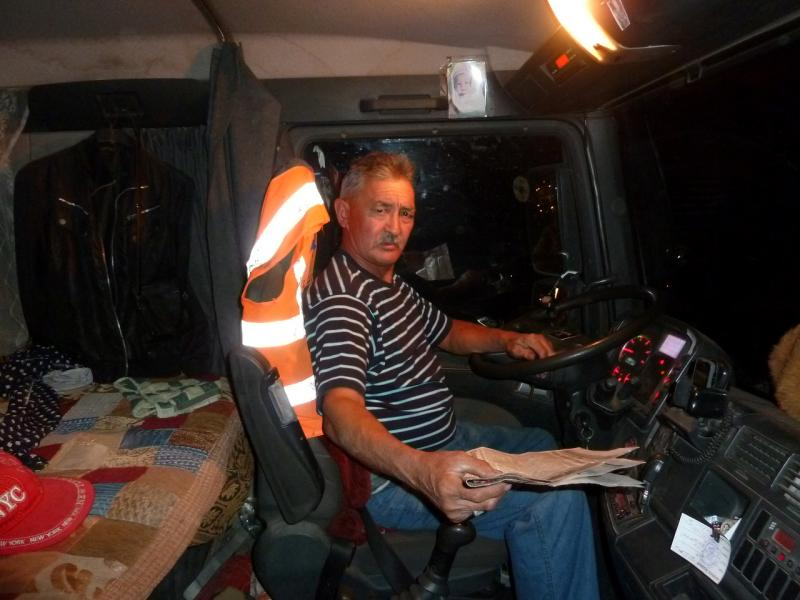 20130910. В кабине грузового Volvo, на трассе Астана-Павлодар.