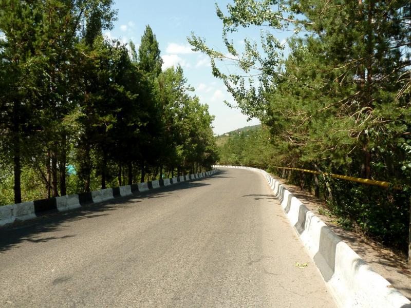 20140715. Нижняя часть дороги к БАО.
