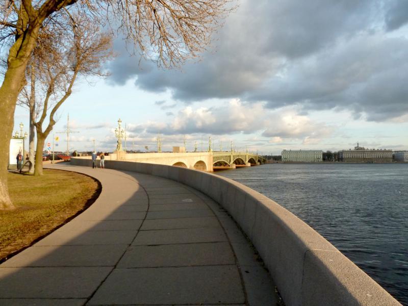 20150417. Санкт-Петербург. Вид с Пироговской набережной на Литейный мост.